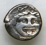 Mysie Parion (vers -325) demidrachme Gorgone, taureau et bucrane AV.JPG