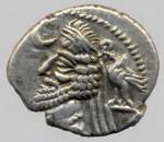 PA17- Fraates IV (-38 à -2) Mithradatkart aigle et aigle derrière throne. 4 gr. Sell 54.14 AV.jpg